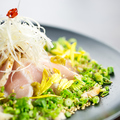 料理メニュー写真鶏たたきの柚子胡椒ポン酢