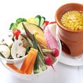 """料理メニュー写真色彩野菜盛りだくさんの""""バーニャカウダ"""""""