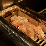 こだわりの炭を使用した丁寧な串焼き!