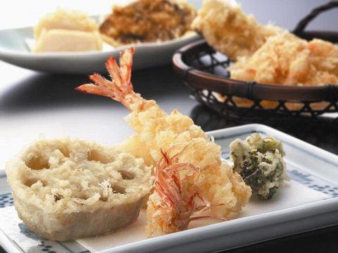 季節の天ぷらをご用意してお待ちしております。