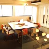 2F大テーブル席10名様くらいはご利用していただける大きなテーブル、大人数でのランチ、会食、ミーティングにも
