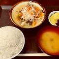 料理メニュー写真昔ながらのもつ煮定食