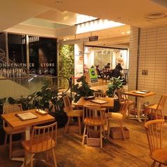 打ち合わせやお友達とのお食事にも◎ ゆったりとしたお席もございます!