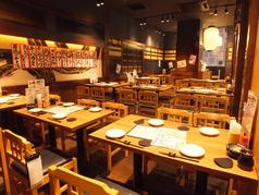 播州 炭右衛門は昔ながらの活気のある、明るい居酒屋です。仕事で疲れていても、店内にいるだけで元気が湧いてきます。脂ののった旬の素材を使用した新鮮なお刺身・海鮮や日本酒・焼酎と相性バッチリのおつまみを味わって、明日への活力を養ってください。