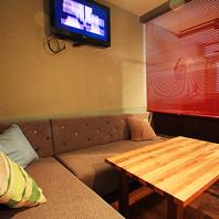 3Fは個室席、パーテーション席が充実の隠れ家ソファ席!
