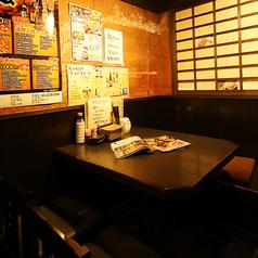 様々なシーンのご宴会にも使いやすい、4人掛けのテーブル席も多数ご用意しております。