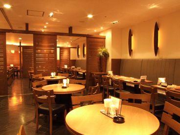 グランチャイナ GRAND CHINA 天神アクロス店の雰囲気1