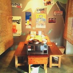 暖簾で仕切れるタイプのテーブル席もご用意しております。暖簾をあげれば8名様/12名様でのご案内も可能で、使い勝手抜群◎