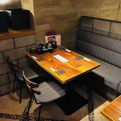 こちらは16名様までのご宴会にも対応OKなテーブル席。宴会シーズンなどには最適です。