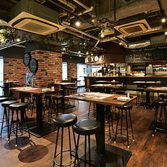 開放的でシックな空間で、自慢のイタリア料理と種類豊富なドリンクをご満喫ください♪