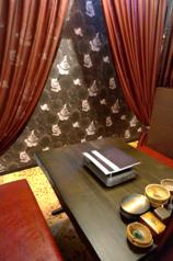 大人な雰囲気のテーブル席