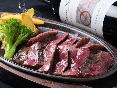 お肉はもちろん、お米・野菜・調味料など全てをこだわり抜いた絶品炭火焼ステーキ