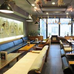 団体向け様にも最適なVIP個室はゆったりとしたソファー席を完備