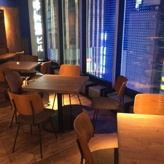 dining lounge concept B 新宿 TSUTAYA BOOK APARTMENT店の雰囲気1