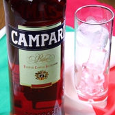 【CAMPARI】イタリア生まれのビター系リキュール。1杯600円