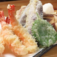 旬の野菜や魚の天ぷらを揚げたてでご提供☆