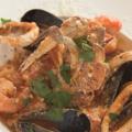 料理メニュー写真魚介たっぷりトマトクリームペスカトーレ