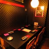 店内奥のテーブル席。