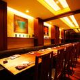 【KAGAMI】最大32名様の大宴会個室です。どんな宴会にも対応できる広々とした個室は、皆様でごゆるりと御利用頂けます♪予約多数の大人気♪個室居酒屋は点有楽町店がオススメです♪