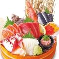 料理メニュー写真たっぷり海鮮尽くし!!名物『海鮮市場盛り』