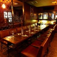 宴会に使いやすいテーブル配置!最大50名様まで貸切可♪