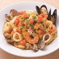 料理メニュー写真イタリア産カラスミと魚介のペペロンチーノ