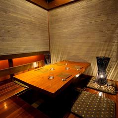 落ち着いた雰囲気のテーブル席はちょっとしたお食事や飲み会に最適です。