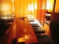 グループ様におすすめの7名卓あり暖簾で区切られてますので個室感があり人気のお席です。