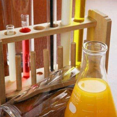 ホットペッパーのネット予約でコースのご予約して頂いたお客様限定で【理科のお勉強】をお付けします!「4つの試験管のリキュールとフラスコのオレンジジュースで実験」※ネット予約特典をご希望のお客様はご要望の蘭に「特典希望」とご記入ください。