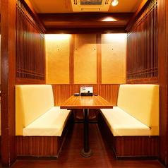 【カーテン半個室】ソファー席は少人数様からご利用可能!