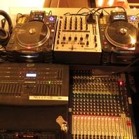 豊富な音響機材も完備