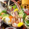 瀬戸内海鮮のお造りと日本酒の相性抜群◎朝獲れの瀬戸内海鮮のお造り。味噌×鮮魚だから当然日本酒をはじめとした様々な飲み物に相性抜群◎鍛冶二丁での宴会や同窓会などはご予約で豪華舟盛りにしてご提供♪