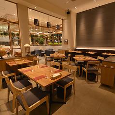 Pasta&Grill ANTIBES グランツリー武蔵小杉の雰囲気1