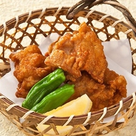 鶏肉は独自で育てた銘柄鶏「華味鳥」を使用しています。