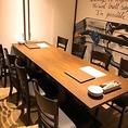 8名個室もご用意。落ち着いた雰囲気の中でお食事をお楽しみください。様々なサイズの個室をご用意しております。少人数から16名様までのこ個室がございます。人気のお席となりますのでお早めにご予約をお願い致します。
