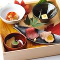 料理メニュー写真前菜「五つの味わい 冬木立」