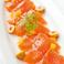 料理メニュー写真スモークサーモントラウトのカルパッチョ