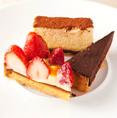 手作りのデザートも人気メニューのひとつです。旬のフレッシュな果物を使ったケーキや、口当たりのいいチーズケーキなど月替わりでご提供しております!