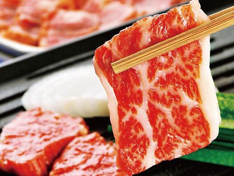 高品質の馬肉を贅沢に焼肉にして愉しめる人気店
