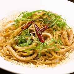 料理メニュー写真イカ肝と大葉のペペロンチーノ