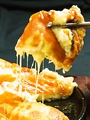 料理メニュー写真ソウルテーブル名物 チーズチヂミ