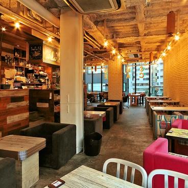 SUZU CAFE jingumaeの雰囲気1