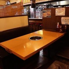 親しい友人や大切なご家族とワイワイ楽しくテーブルでお食事いただけます!