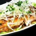 料理メニュー写真若鶏の唐揚げ/油淋鶏ソース/レモンソース