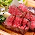 こだわりぬき、厳選した新潟県産「にいがた和牛」を使用。一番の自慢は「にいがた和牛タリアータ」1,680円(税抜)、A5・A4ランクのリブロース部位を使用し、にんにくの香りをつけてシンプルに焼き上げることにより旨味が凝縮した人気の一品です。