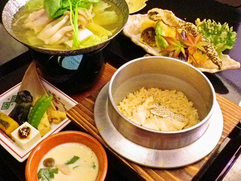 日本海で獲れた新鮮な鯛を使った鯛めしが自慢の和食店。