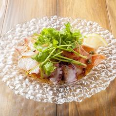 料理メニュー写真本日のカルパッチョ 3種盛りアジアンソース
