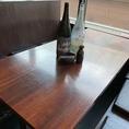 掘りごたつが苦手な方向けにテーブル席もございます。当店自慢の海鮮料理を是非お召し上がりくださいませ!