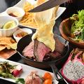 料理メニュー写真シュラスコ3種牛肉のラクレット