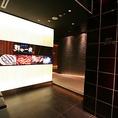 【総席数101席 全席完全個室】JR新宿駅中央東口より徒歩1分と駅チカで便利な海鮮個室居酒屋です♪当店は2名~最大44名様まで対応可能、少人数向けから大人数宴会用まで、多数の完全個室を完備しております。接待・顔合わせから各種宴会・飲み会まで、和の雰囲気が漂う鮮や一夜を是非ご利用ください♪